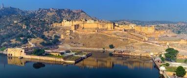 Fortificazione ambrata dell'India Jaipur nel Ragiastan fotografie stock
