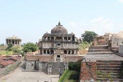 Fortificazione del kumbhalgarh del tempio dell'altare del tempio di Devi Immagini Stock
