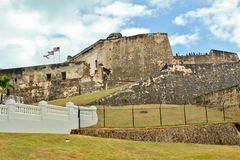Fortificazione di bal del ½ del ¿ di Castillo San Cristï a San Juan, Porto Rico - 3/9/2017 dei turisti visita la fortificazione a Fotografia Stock