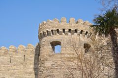 Fortificazione e torre antiche, Baku Azerbaijan fotografia stock