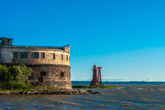 Fortificazione storica del mare vicino a Kronshtadt, St Petersburg Fotografia Stock