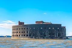 Fortificazione storica del mare vicino a Kronshtadt, St Petersburg Immagine Stock