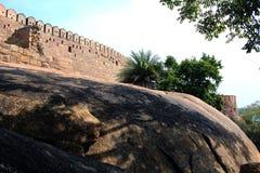 Fortificazione sul paesaggio della roccia Immagini Stock Libere da Diritti