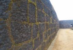 Fortificazioni della fortificazione e dell'interno di Raigad Fotografia Stock