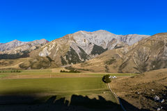 Fortifichi la collina nell'isola del sud del ` s della Nuova Zelanda Immagini Stock