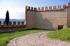 The fortified walls of an Italian castle Stock Photography