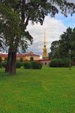 Fortness von St Peter und von Pavel und der Park in St Petersburg, R Stockfotografie