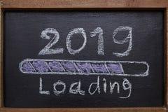 Fortschrittsstangenladen von 2019 lizenzfreies stockbild