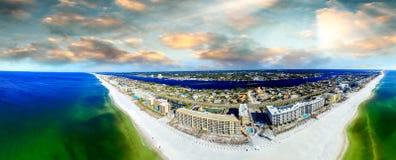 Fortu Walton Plażowy aeial widok przy zmierzchem zdjęcie royalty free