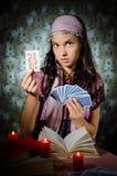 Fortune-teller que predicing os cartões imagens de stock