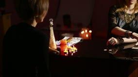 fortuneteller divinazione dalle rune archivi video