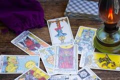 Fortunetelling с карточками Tarot Стоковые Изображения RF