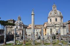 Forum et Traian Column impériaux Photographie stock