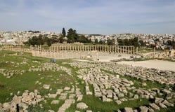Forum (plaza ovale) dans Gerasa (Jerash), Jordanie Images stock