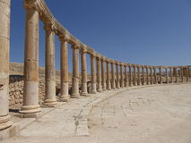 Forum (plaza ovale) dans Jerash, Jordanie Photos stock