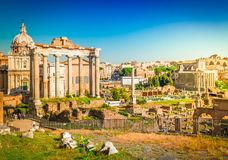 Forum - romaren fördärvar i Rome, Italien royaltyfri bild