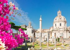 Forum - romaren f?rd?rvar i Rome, Italien arkivbild