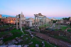 Forum - romaren f?rd?rvar i Rome, Italien royaltyfri bild