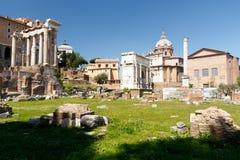 Forum ? Rome avec un fond de ciel bleu photographie stock