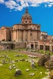 forum Włoch romana Rzymu Rzym forum przy letnim dniem z błękitem Zdjęcia Royalty Free