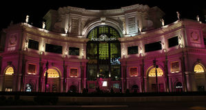 Forumet shoppar i Las Vegas, NV Fotografering för Bildbyråer