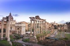 Forumromaren fördärvar i Rome arkivfoto