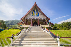 Foschia bianca di Buddha intorno alla valle Fotografia Stock