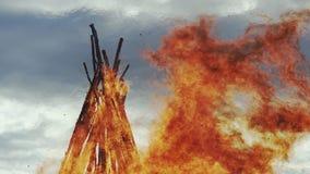 Foschia di calore del fuoco di Pasqua