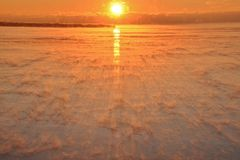 Foschia di cattura il lago Ontario del ghiaccio di alba Immagini Stock Libere da Diritti