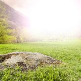 Foschia di mattina in alpi italiane Fotografia Stock