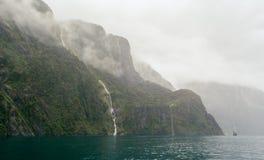 Foschia di Milford Sound Immagini Stock