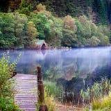 Foschia sul lago Ard Fotografia Stock