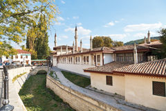 Fossé et murs du palais de Khan dans Bakhchisaray Photos stock