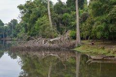 Fossé près de temple de Preah Khan, Angkor, Cambodge Photographie stock libre de droits