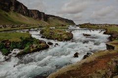 Fossalar在Vatnajokull国家公园附近的河瀑布 图库摄影