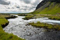 Fossalar在Vatnajokull国家公园附近的河瀑布Rin的 免版税库存图片