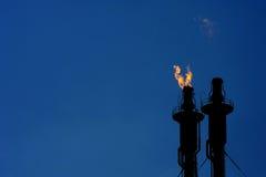 Fossila bränslenraffinaderikomplex Royaltyfri Bild