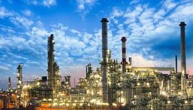 Fossila bränslenbransch - raffinaderi, fabrik, petrokemisk växt Arkivfoton