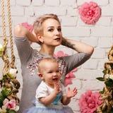 Fostra och dottern Royaltyfria Foton