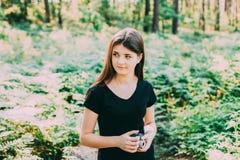 Fotógrafo caucásico pelirrojo joven feliz Takin del adolescente Imagenes de archivo