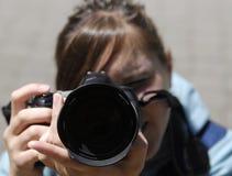 Fotógrafo de la muchacha Imágenes de archivo libres de regalías