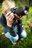 Fotógrafo de la naturaleza en el trabajo Imagen de archivo