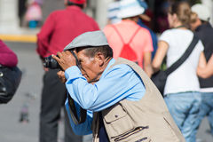 Fotógrafo de rua profissional em Arequipa, Peru Fotos de Stock Royalty Free