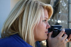 Fotógrafo de sexo femenino Fotos de archivo libres de regalías