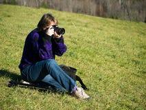 Fotógrafo de sexo femenino Imagen de archivo libre de regalías