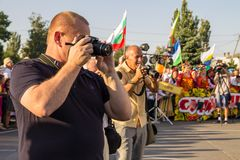 Fotógrafo del hombre con la cámara en festival fotos de archivo libres de regalías