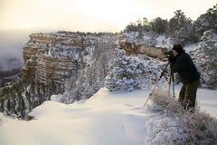 Fotógrafo del invierno del Gran Cañón Imagen de archivo