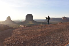 Fotógrafo del valle del monumento, madrugada Imagen de archivo