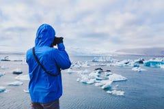 Fotógrafo del viaje de la naturaleza imagenes de archivo