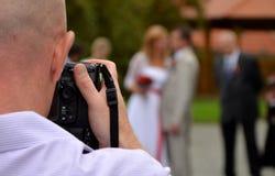 Fotógrafo do casamento foto de stock